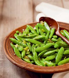 Sugar Snap Peas with Orange Ginger #Dressing from Eat Clean Live Well - These #vegan sugar snap peas from the Eat Clean Live Well #cookbook are simple and #delicious.