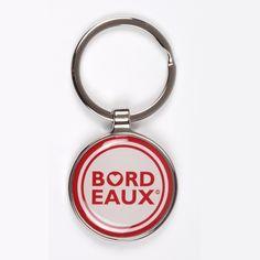 """Notre porte-clé """"BORDEAUX Ville de Coeur©"""" est un joli souvenir classique de Bordeaux."""