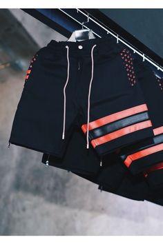 """""""Sex Machine Gun"""" BRED Shorts 2018 Streetwear Shorts, Streetwear Fashion, Boxer Pants, Urban Fashion, Mens Fashion, Mens Swim Shorts, Outdoor Fashion, Mens Joggers, Kids Pants"""