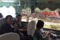 無事に台湾に着きました! 移動のバスのカーテンがかわいい!