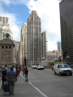 downtown Chicago)
