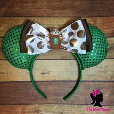 Starbucks coffee sparkling green mouse ears for disneyland or disneyworld could make heat sleeves for employees vacation Disney Ears Headband, Disney Headbands, Disney Mickey Ears, Minnie Mouse, Disney Diy, Disney Crafts, Disney Starbucks, Starbucks Coffee, Mini Mouse Ears