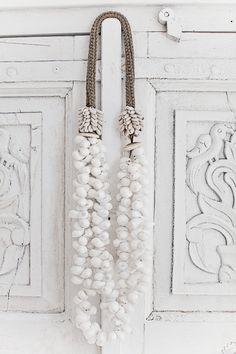 ჱ ܓ ჱ ᴀ ρᴇᴀcᴇғυʟ ρᴀʀᴀᴅısᴇ ჱ ܓ ჱ ✿⊱╮ ♡ ❊ ** Buona giornata ** ❊ ~ ❤✿❤ ♫ ♥ X ღɱɧღ ❤ ~ Th 29th Jan 2015Oceanic shell necklace