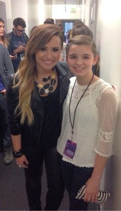 Demi with fan, if only I could to this to cross off my number one on my bucket list!:)