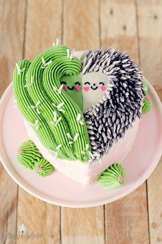 Cactus and Hedgehog Cake Sonic The Hedgehog Cake, Cute Hedgehog, Hedgehog Treats, Hedgehog Cupcake, Hedgehog Cookies, Hedgehog Food, Beautiful Cakes, Amazing Cakes, Cactus Cake
