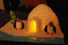 Igloo Out of Sugar Cubes Winter Diy, Winter Crafts For Kids, Winter Christmas, Christmas 2019, Christmas Crafts, Winter Thema, Sugar Cubes, Winter Project, Craft Activities