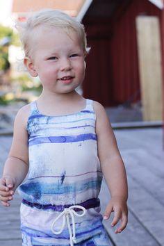 Jumpsuit med vattenfärg från emma och malena. Käringön.