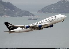 United Airlines N121UA Boeing 747-422 aircraft picture