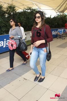 Sunny Leone, Bipasha and Zareen Khan snapped at domestic airport