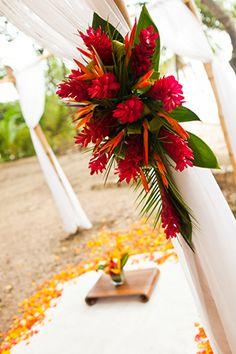 tropical wedding flowers Costa Rica Destination Wedding by A Brit and A Blonde http://abritandablonde.com/
