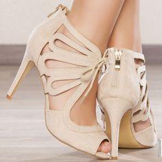 Escarpins femme Beige talons de 10 cm taille 39, en vente sur la boutique en ligne Modatoi. Achetez en ligne des chaussures femme sur modatoi.com.