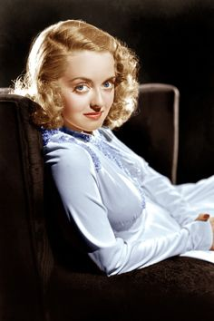 She's got Bette Davis eyes and was a first rate actress xo Old Hollywood Stars, Hollywood Icons, Old Hollywood Glamour, Golden Age Of Hollywood, Vintage Hollywood, Classic Hollywood, Hollywood Actresses, Vintage Glam, Hollywood Photo