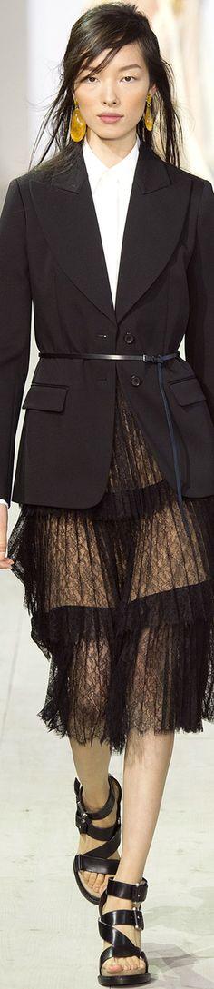 Michael Kors Collection Spring 2016 Ready-to-Wear Collection Photos - Vogue Outlet Michael Kors, Cheap Michael Kors, Michael Kors Tote, Handbags Michael Kors, New York Fashion, Love Fashion, Fashion Models, Fashion Show, Fashion Trends