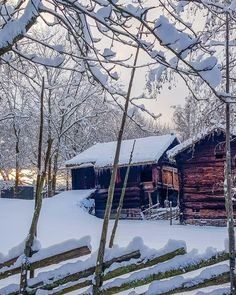 Snow Cabin, Rustic Master Bedroom, Cozy Christmas, Vermont, Places, Outdoor, Chalets, Winter, Outdoors