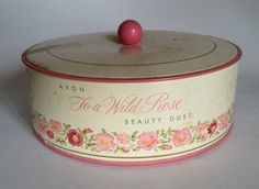 Avon Vintage To A Wild Rose Beauty Dust When I was a little girl I LOVED to put on dusting powder after my bath. Vintage Makeup Ads, Vintage Avon, Vintage Beauty, Vintage Items, Beauty Dust, Avon Collectibles, Avon Sales, Sales Representative, My Childhood Memories