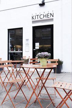 Gourmet Food Store / Bistro - Alter / shop front