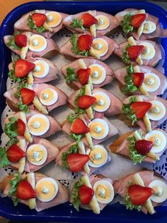 Party Leckereien Party Snacks Appetizers For Party Romantic Dinner Recipes Romantic Dinners Meat Platter Food Platters Low Carb Appetizers Appetizer Recipes Party Finger Foods, Snacks Für Party, Appetizers For Party, Low Carb Appetizers, Appetizer Recipes, Party Recipes, Party Food Platters, Romantic Dinner Recipes, Dinner Ideas