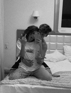 Cute Couples Photos, Cute Couple Pictures, Cute Couples Goals, Couple Photos, Teen Couples, Goofy Couples, Romantic Couples, Couple Goals Relationships, Relationship Goals Pictures