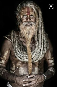 Mario Gerth travelled across India and Nepal to photograph Sadhus, the Hindu holy men who live their lives away from everyday society, shunning home comforts for a life spent inside caves, forests and temples Eric Lafforgue, Steve Mccurry, Dreadlocks, Foto Art, Many Faces, Interesting Faces, World Cultures, People Around The World, Belle Photo