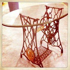 Idea reciclaje - patas de hierro máquina de coser Singer