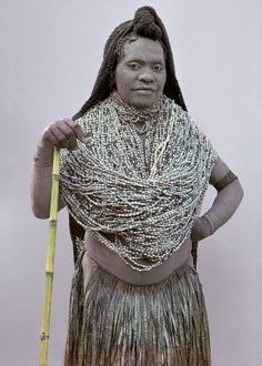 Papua New Guinea | Mendi widow, Map village, Southern Highlands. Image from the publication Man As Art: New Guinea. | © Malcolm Kirk