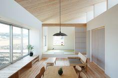 【障子で仕切る】リビングの一画の和な小上がりスペース | 住宅デザイン