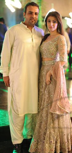 Love the girls lehnga and style😍 Pakistani Couture, Indian Bridal Fashion, Pakistani Wedding Dresses, Pakistani Outfits, Indian Dresses, Asian Fashion, Indian Outfits, Bridesmaid Saree, Desi Clothes