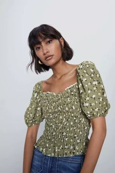 High Collar Shirts, Zara Home Stores, Top Cropped, Short Tops, Lace Applique, Printed Shirts, Crop Tops, Life Care, Tops