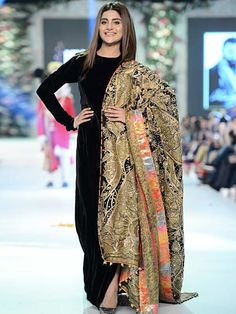 Pakistan Fashion Design Council aims to facilitate, promote and represent Pakistani designers at all levels. Indian Fashion Dresses, Indian Designer Outfits, Indian Outfits, Designer Dresses, Fashion Outfits, Stylish Dress Designs, Stylish Dresses, Casual Dresses, Simple Dresses