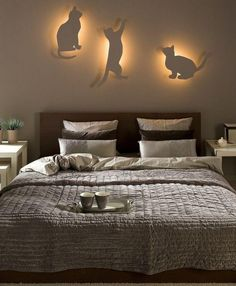indirect bedroom lighting idea with cat silhouettes