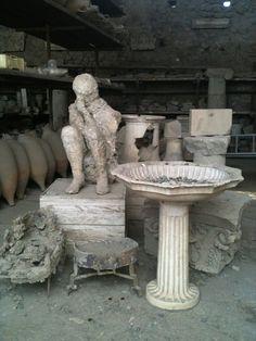 Mitica Pompei avvolto nel mistero del Vesuvio