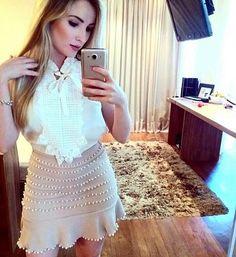 zpr Conjunto de Blusa off White com laço e saia de Piquê colorida ( branca , rosa, vermelha , nude ou preta) bordada com pérolas TAM P M ou G  por 180,00 o conjunto em 3 X sem juros . FRETE GRÁTIS ! Vendas pelo site loja.partystyle.com.br - - * #lojapartystyle_ #modafeminina #modacasual #modapraia #moda #fashion #tendencia #trend #verao #summer #ss16 #sale #promocao #vestido #vestidos #vestidosdefesta #ecommerce #lojavirtual #vestidos #vestidodetricot #neoprene #saia #body 💙…