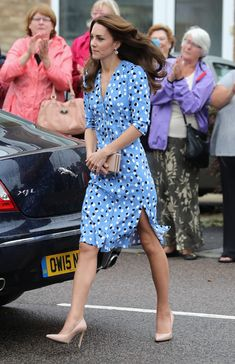 Kate Middleton - Catherine, Duchess of Cambridge arrives at Steward's Academy on September 16, 2016 in Harlow, England.
