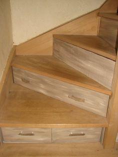 Astuce gain de place - 3 Tiroirs pour mon dessous d'escalier - Vous êtes fan de cartonnage ? Montrez-nous vos créations !