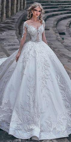 30 Ball Gown Wedding Dresses Fit For A Queen. Hercegnős Esküvői RuhákEsküvő  MenyasszonyMenyasszonyi ... 6a2b3d57ad