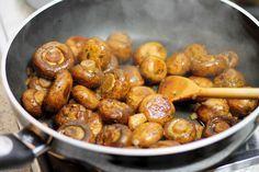 Champignons-Jahrmarkt-Style-fertig-gebraten