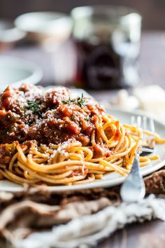 slow cooker meat sauce from Jelly Toast #slowcooker #recipe