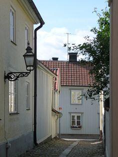Vadstena, Sweden, street Denmark, Sweden, Garage Doors, Street, Places, Outdoor Decor, Home Decor, Decoration Home, Room Decor