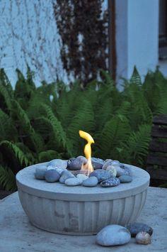 DIY: Feuerschale aus Beton selber giessen DIY fire bowl, cast concrete itself made easy, with detail Concrete Crafts, Concrete Garden, Diy Art Projects, Garden Projects, Diy Garden Decor, Garden Art, Hydrangea Care, Beton Diy, Fire Bowls