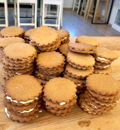 Mömmukökur – Salt Eldhús Cheescake Recipe, Sweet Cakes, Biscuits, Recipies, Salt, Food And Drink, Favorite Recipes, Cookies, Baking