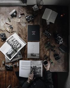 Adventure Flatlay inspiration by Flat Lay Photography, Urban Photography, Lifestyle Photography, Travel Photography, Tabletop Photography, Flat Lay Inspiration, My Sun And Stars, Photos, Pictures
