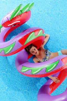 Curly Serpent Pool Float || Something I might actually be able to get on and stay on in a pool