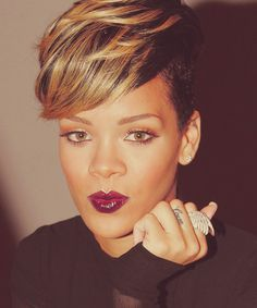 rihanna ~ Love everything about her in this pic! | find more inspiration at www.bellamumma.com |