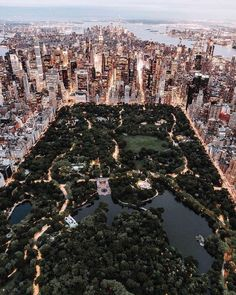 Style beaches Central Park from above - New York City photo by Trent Szmolnik ( on. Central Park from above - New York City photo by Trent Szmolnik ( on Unsplash New York Trip, New York Travel, New York Life, Travel Usa, Overseas Travel, London Travel, Travel Plane, Amsterdam Travel, Cruise Travel