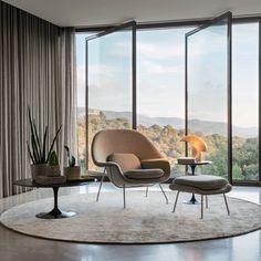 Saarinen Womb Chair and Ottoman Living Room Interior, Interior Design Living Room, Living Room Designs, Living Rooms, Modern Furniture, Furniture Design, Wood Furniture, Furniture Ideas, Womb Chair
