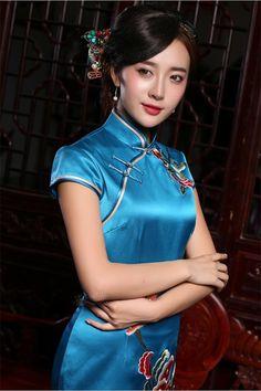 復古髮型的旗袍美女 - 每日頭條