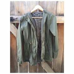 Olive green anorak jacket Green anorak jacket! Super cute for fall  oversized fit, im 5'3 and it covers my butt. Last picture is closer to true color • not Brandy, listed for exposure • No trades • Brandy Melville Jackets & Coats