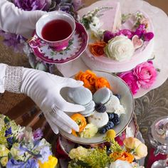 Throw your own High Tea party with Kikoko teas. See our step-by-step guide for throwing a fabulous cannabis tea party and share your experience! Party Spread, High Noon, My Cup Of Tea, Youre Invited, Herbal Tea, Retail Design, High Tea, Afternoon Tea, Cannabis