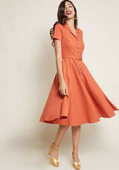 Ahh, the fashionable finesse of bygone times! You embody just what made those decades special while decked out in this pumpkin orange shirt dress - an. 1950s Inspired Fashion, 1960s Fashion, Sporty Fashion, Ski Fashion, Fashion Women, Winter Fashion, Orange Dress Shirt, Shirt Dress, Orange Dress Summer