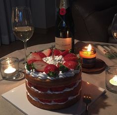 Learn how to create easy Romantic Valentines Party Food Ideas, Treats and Snacks. - Valentines Ideas - Grandcrafter - DIY Christmas Ideas ♥ Homes Decoration Ideas Pretty Cakes, Cute Cakes, Good Food, Yummy Food, Think Food, Cute Desserts, Food Goals, Cafe Food, Aesthetic Food